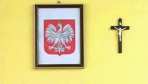 Polská tradice: státní znak a křesťanský kříž