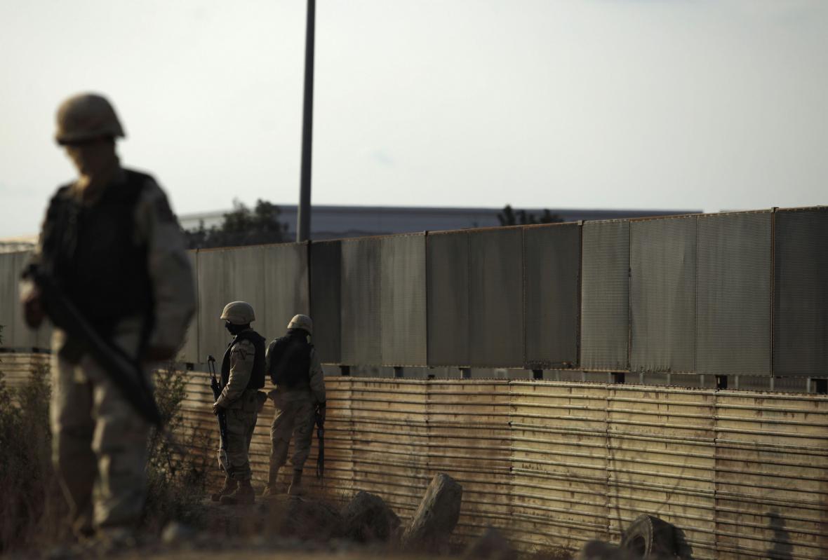 Pod americkomexickou hranicí byl nalezen tunel