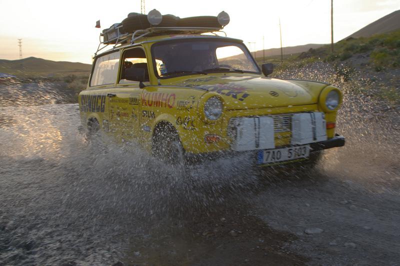 Trabant při cestě po Africe