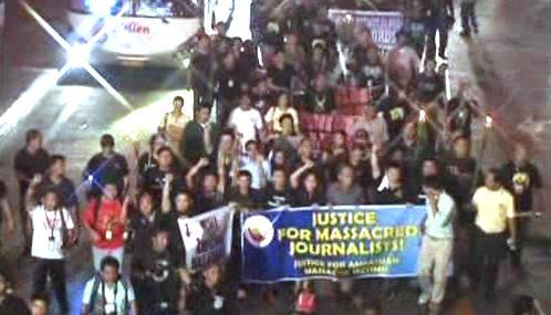 Protestní pochod novinářů v Manile