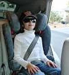 Dítě v rizikové autosedačce