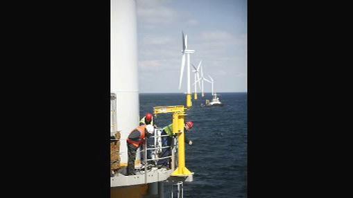 Stavba větrné elektrárny na moři