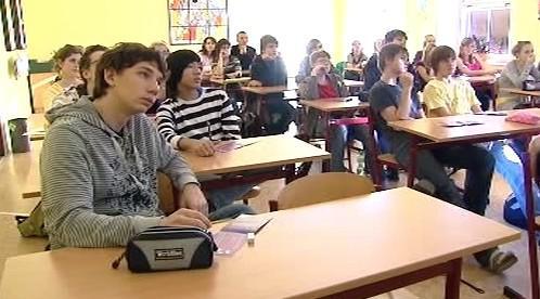 Žáci při besedě