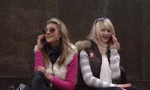 Telefonující dívky