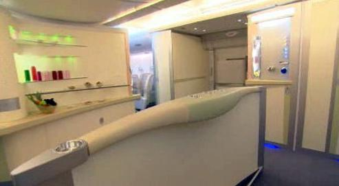 Bar v letadle Airbus A380