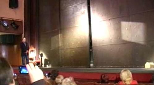 Protipožární opona kolínského divadla