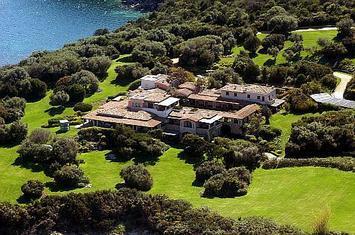 Berlusconiho slavná vila