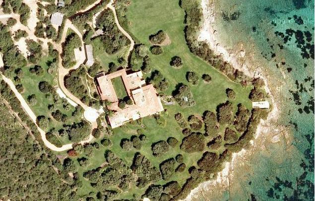 Satelitní snímek Berlusconiho vily