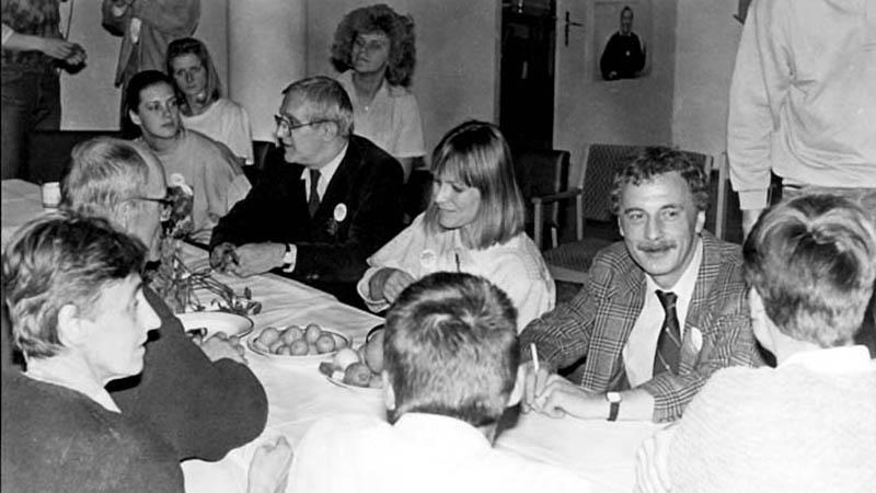 Sametové zasedání v divadle Semafor (1989)