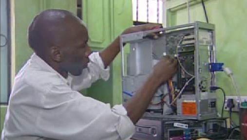 Opravář počítače v Keni