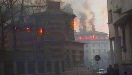 Hořící domy v Bukurešti