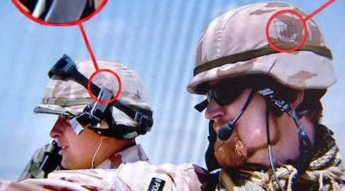 Znaky SS na přilbách českých vojáků v Afghánistánu