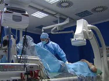 Zavádění elektrody na operačním sále