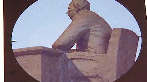 Pomník podle Pavla Doskočila
