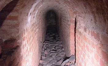Podzemní chodba