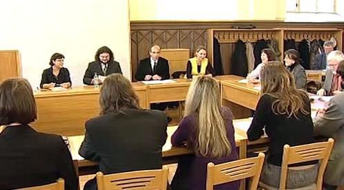Volba děkana na filosofické fakultě v Plzni