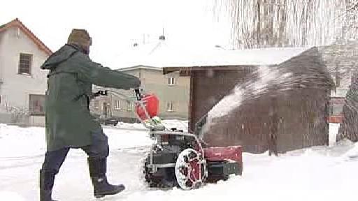 Úklid sněhu pomocí frézy