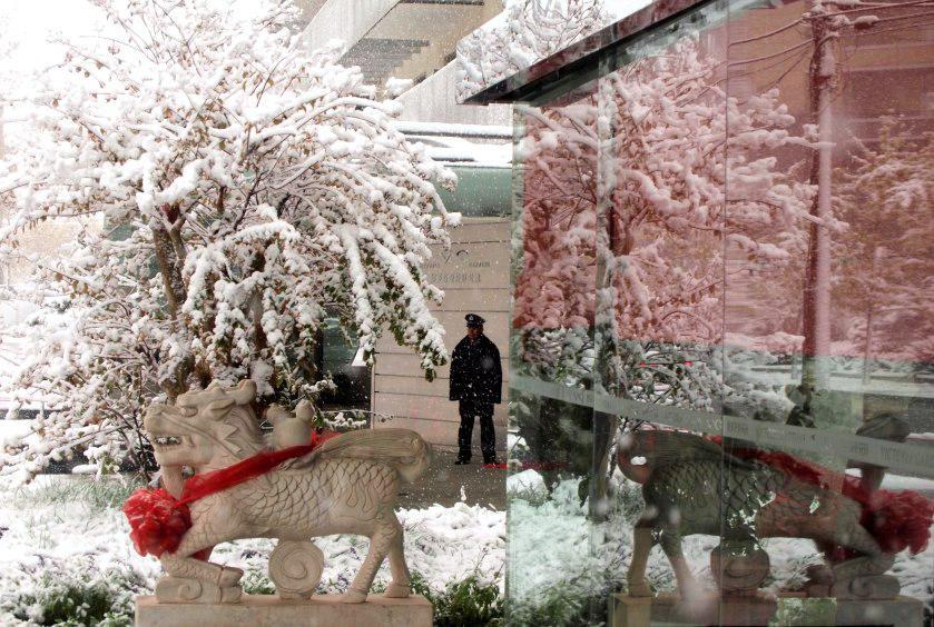 Meteorologové způsobili v Pekingu sněhovou kalamitu