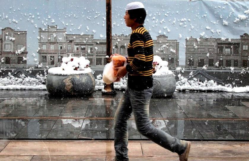 Peking zasáhla sněhová kalamita