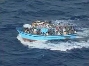 Loď s africkými imigranty