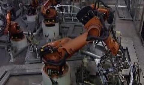 Propad průmyslu pokračuje