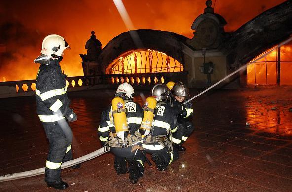 Hasiči zasahovali u požáru Průmyslového paláce