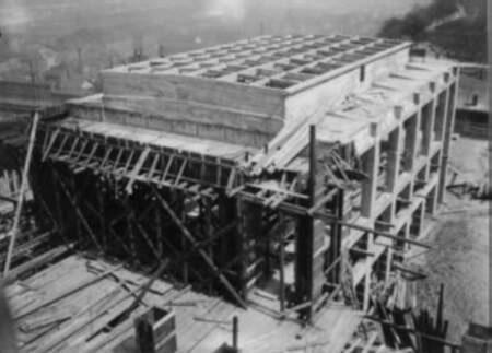 Stavba památníku na Vítkově