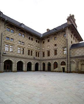Schwarzenberský palác