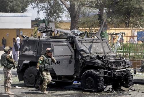 Vozidlo italských jednotek po útoku