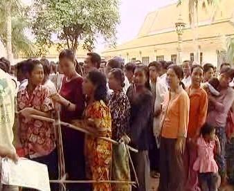 Fronta k volebním urnám