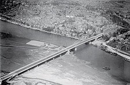 Most přes řeku Rýn