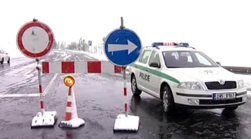 Kvůli sněhu jsou zavřené silnice