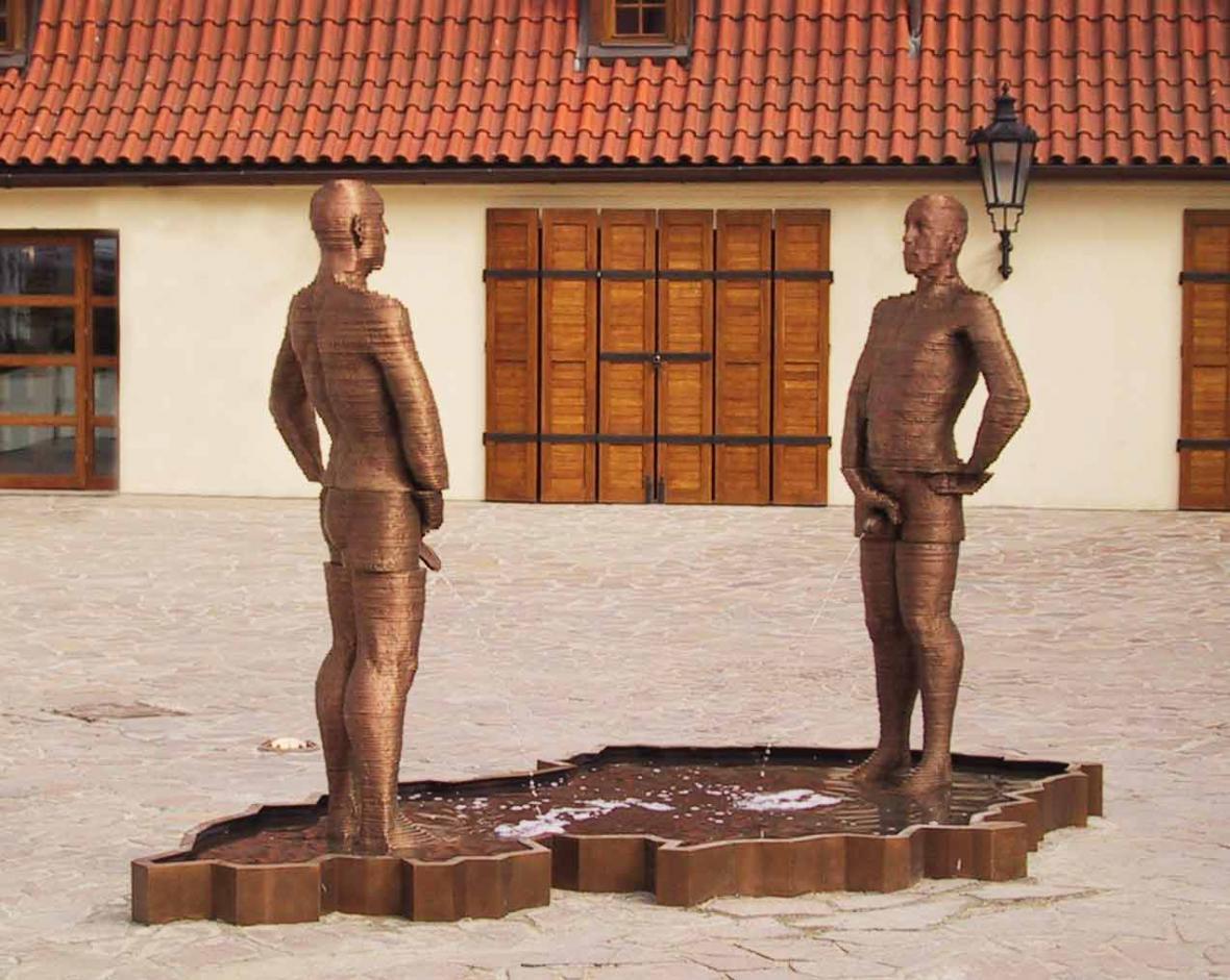 Fontána v Hergetově cihelně (David Černý)