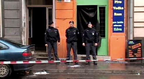 Policie hlídá místo činu