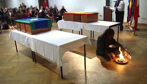 Obřad aboriginců ve vídeňském muzeu