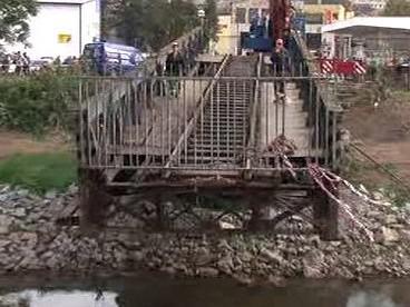 Stěhování mostu