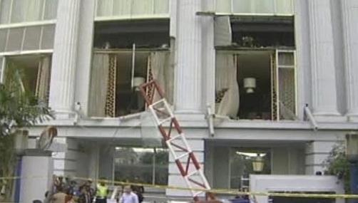 Následky útoku na hotel v Jakartě
