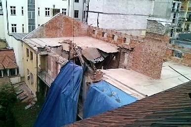 Zřícený strop v Soukenické ulici