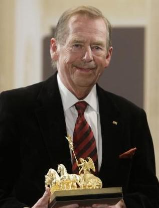 Václav Havel převzal v Berlíně cenu Quadriga