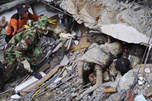 Následky zemětřesení na Sumatře