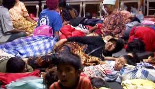 Stovky Indonésanů přišly o střechu nad hlavou