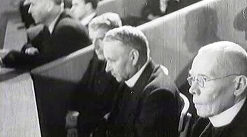 Soud s církevními hodnostáři