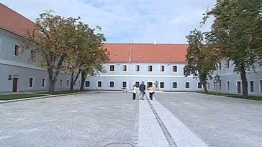 Rekonstruovaná kasárna v Třeboni