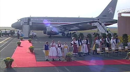 Papež se vrací do Říma
