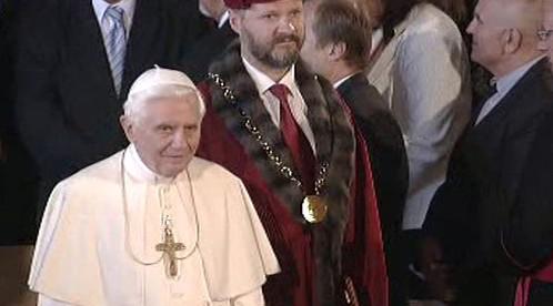 Papež, rektor