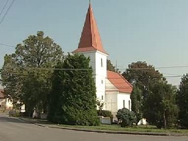 Kostel v obci Hlasivo