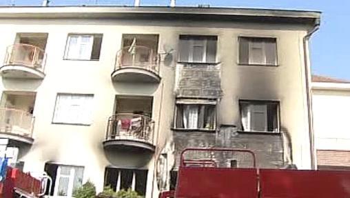 Ohořelý dům v Sakařově ulici