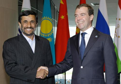 Mahmúd Ahmadínežád a Dmitrij Medveděv
