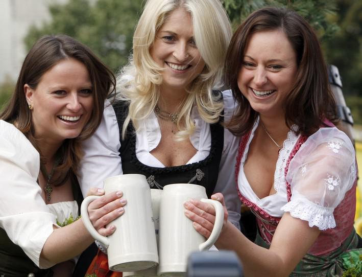 Návštěvnice Oktoberfestu