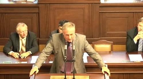 Topolánek oznamuje rezignaci na poslanecký mandát